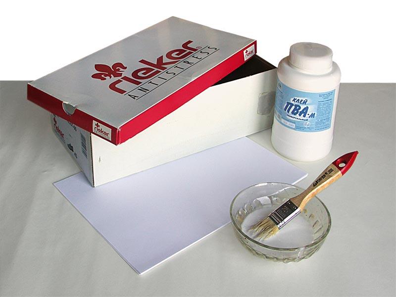 При обклеивании располагайте листы... клей (ПВА, для обоев, клейстер.  Этапы работы. коробка из под обуви. краски.