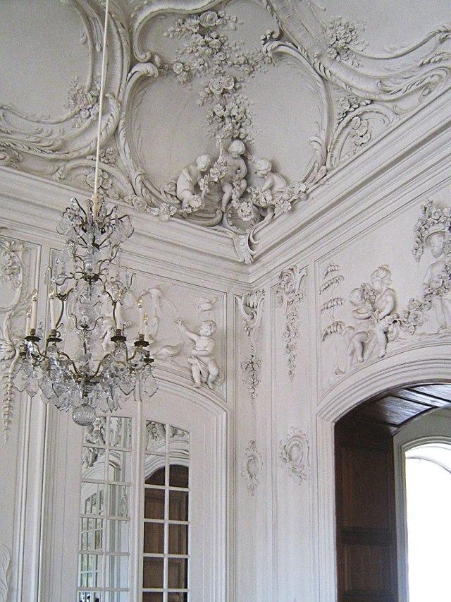 Белый зал Рундальского дворца.