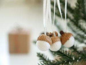 adorable-diy-homemade-cute-cotton-nuts-christmas-ornaments-ideas