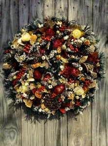 exterior-decorations-gorgeous-christmas-wreath-design-idea-with-full-of-floral-and-fruit-decorations-mounted-on-wood-30-wonderful-christmas-wreath-ideas-for-your-door-decorating-ideas-760x1024